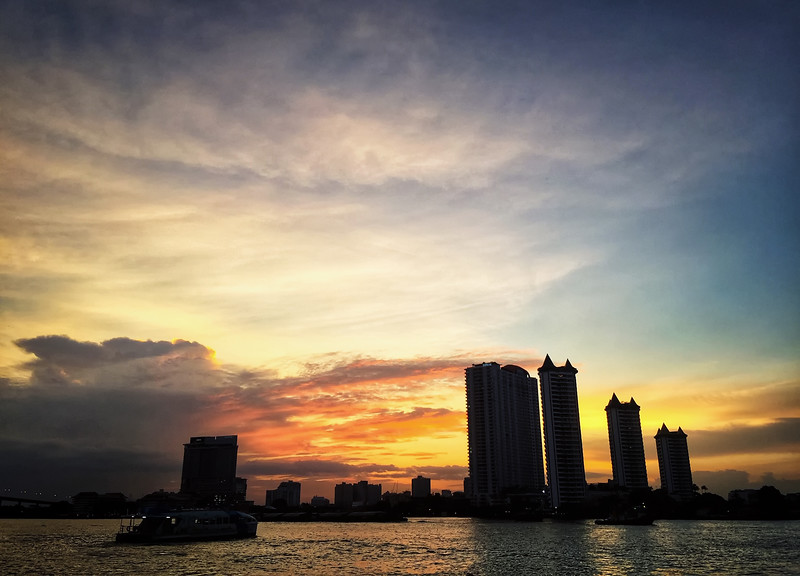 chao phraya sunset.jpg