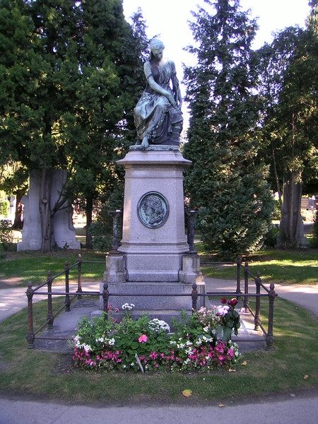 23 Mozart Memorial.JPG