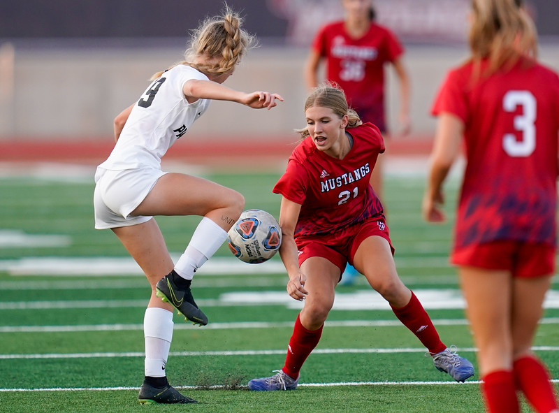 CCHS-vsoccer-pineview1321.jpg