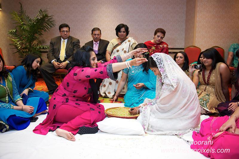 Naziya-Wedding-2013-06-08-01926.JPG