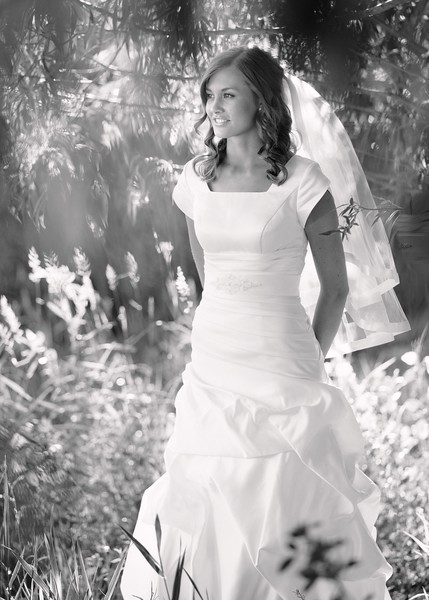 Amy Bridals 058bw.jpg