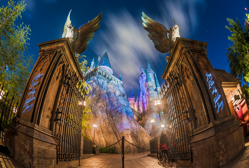harry-potter-forbidden-journey-entrance-night.jpg