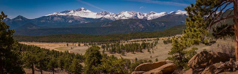 Longs Peak panorama.jpg