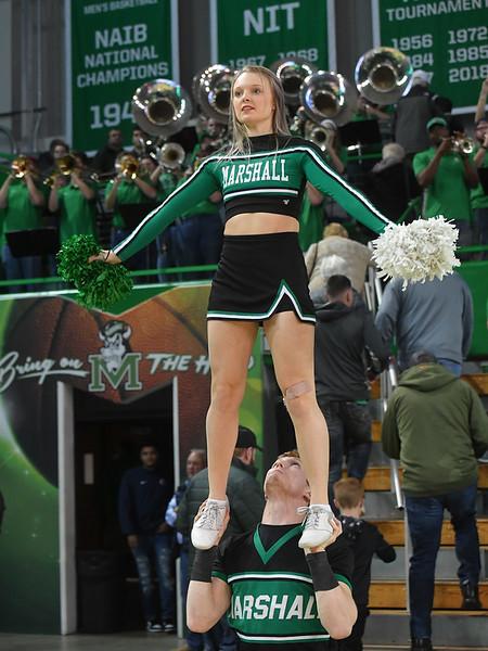 cheerleaders3441.jpg