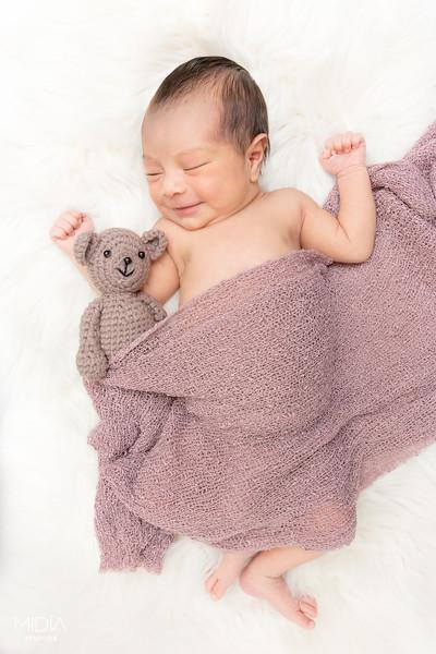 2017-07-03 Clarissa Ruiz Newborn Shoot