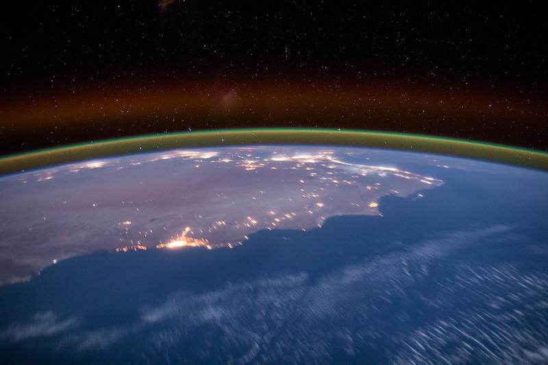 #USA #EarthArt #YearInSpace
