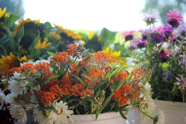 Blumen/Farmacy Fistful of Flowers Soiree