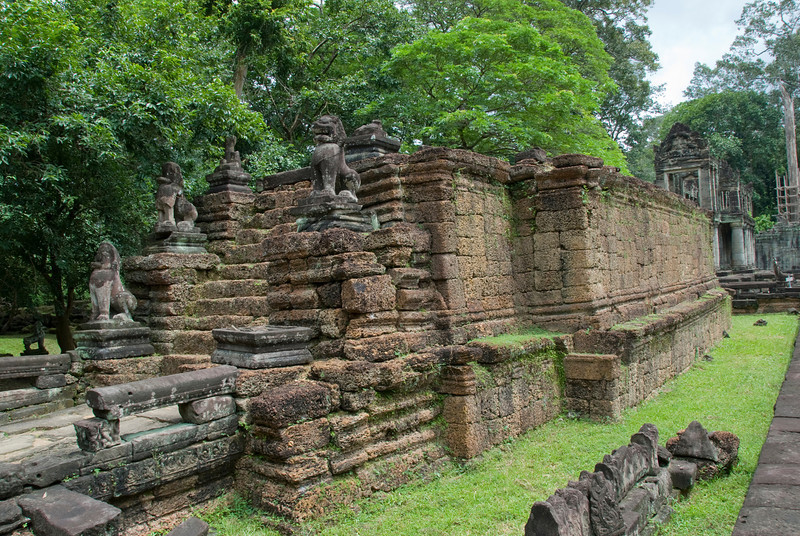 Lion statues at the back of the Angkor Wat temple