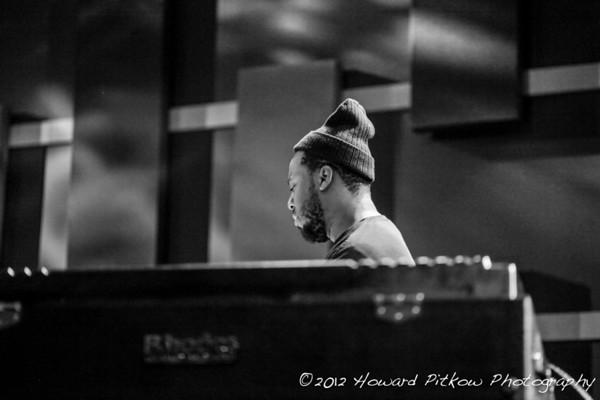Robert Glasper Plays Fender Rhodes