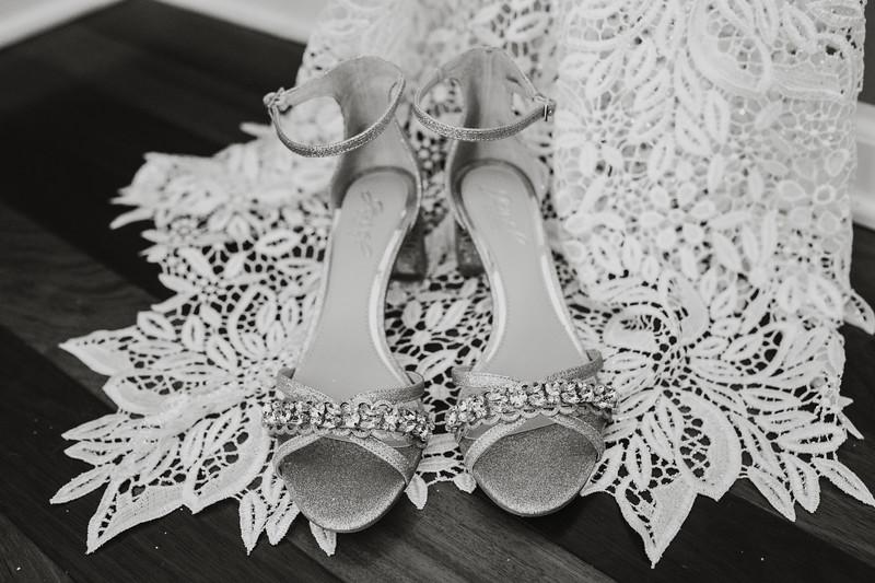 CAITLYN AND COLBY - BACKYARD WEDDING - 23.jpg