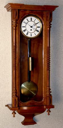 VR-398 -  Altdeutsche Viennese Timepiece with an Unusual Mechanism Mount