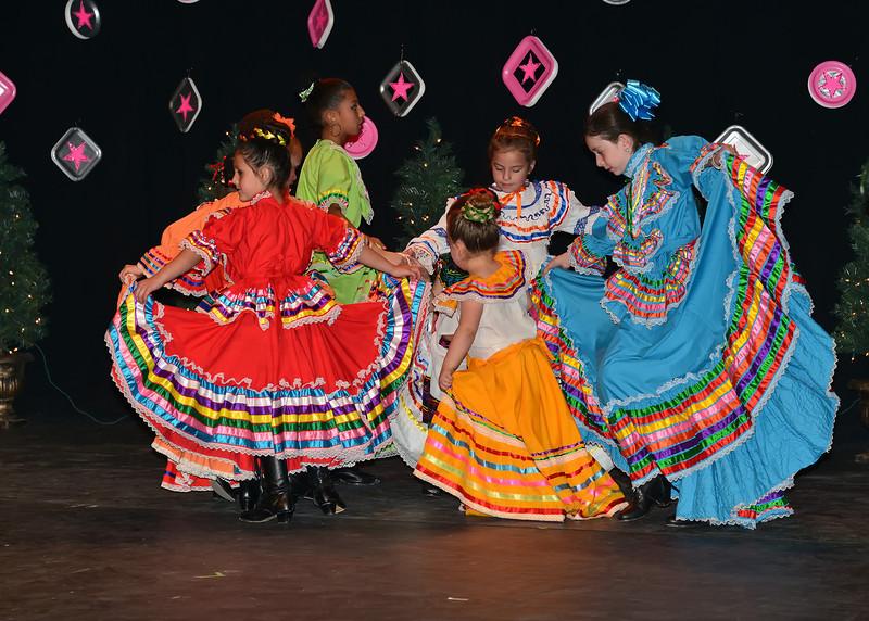 NEA_9872-7x5-Dancers.jpg