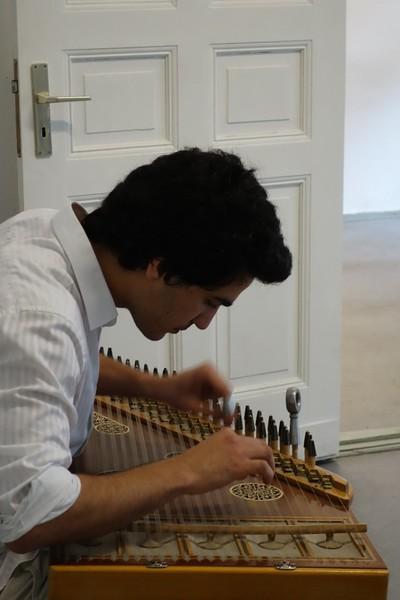 Hazem Nassreddine playing the Qunun