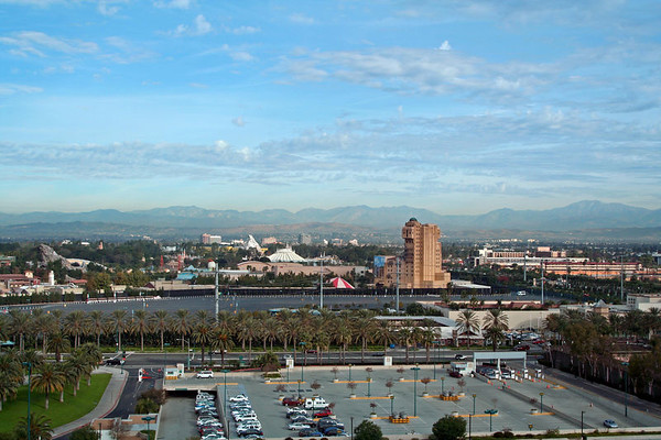 Anaheim Hotel & Views