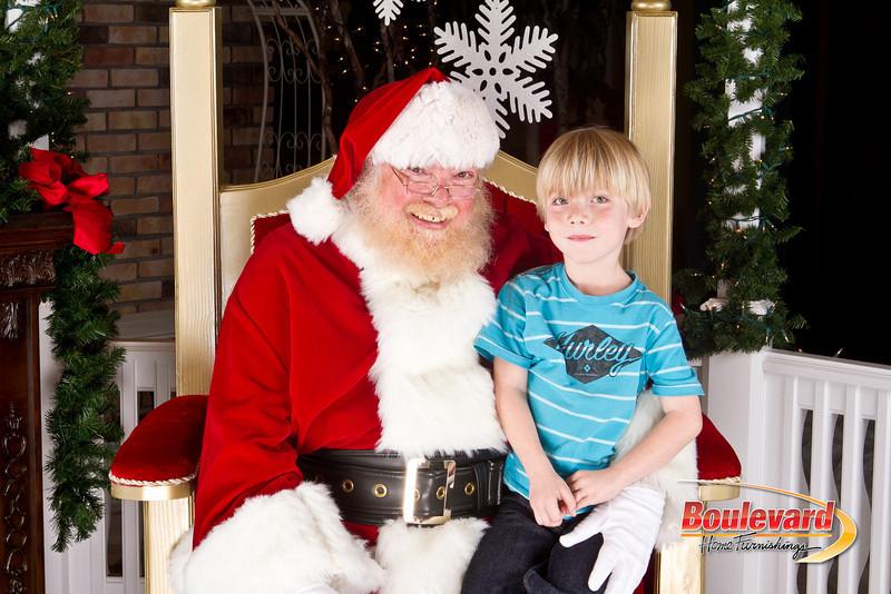 Santa Dec 8-102.jpg