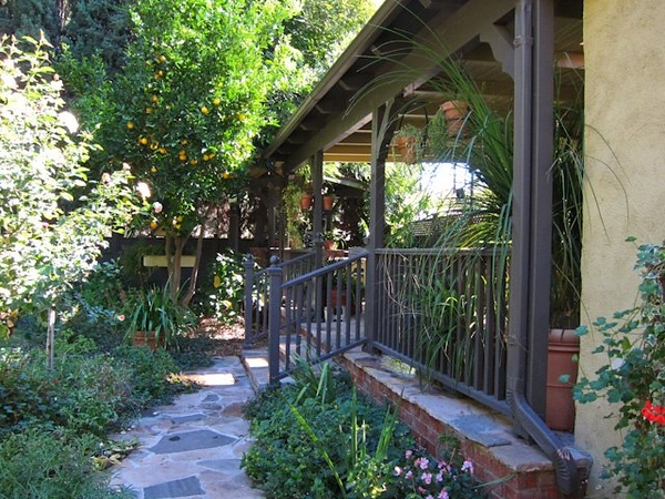 An attached patio to the house can be used for painting outdoors