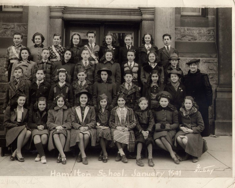 nita school photo 1941.jpg
