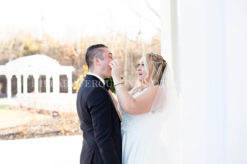 Hillary_Ferguson_Photography_Melinda+Derek_Getting_Ready388.jpg