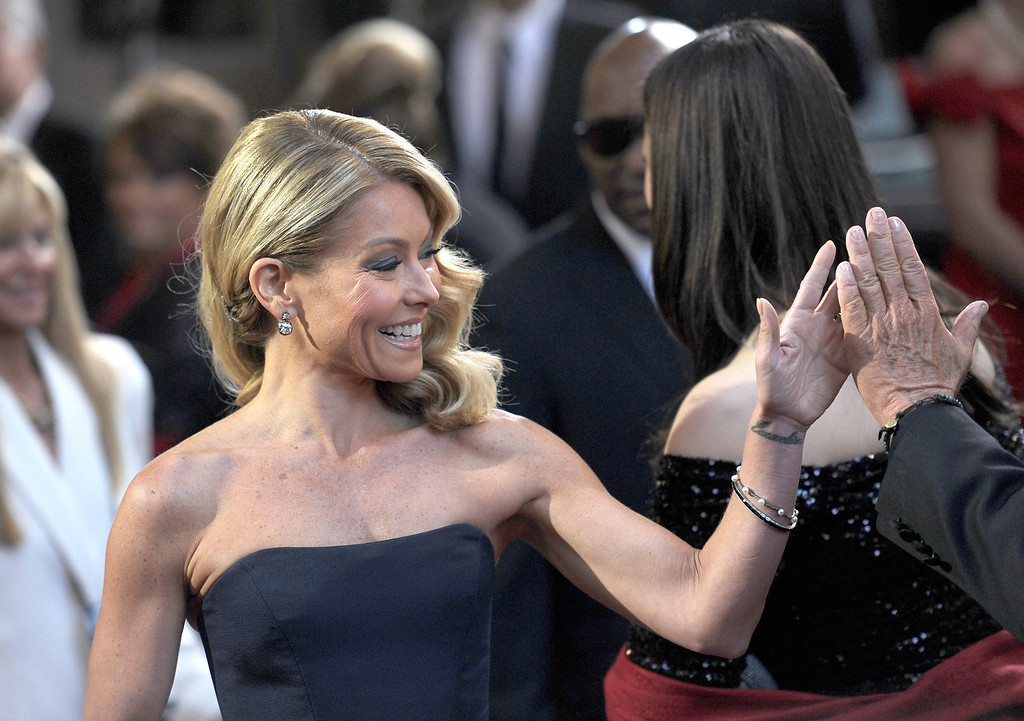 . Kelly Ripa arrives at the 85th Academy Awards at the Dolby Theatre in Los Angeles, California on Sunday Feb. 24, 2013 ( Hans Gutknecht, staff photographer)