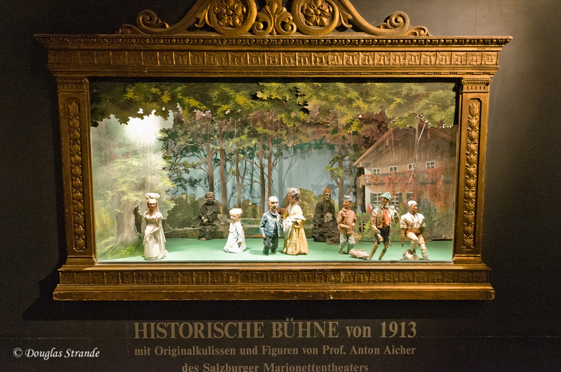 Century-old marionettes on display