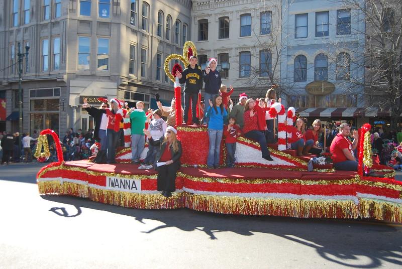 Parade 1228.jpg