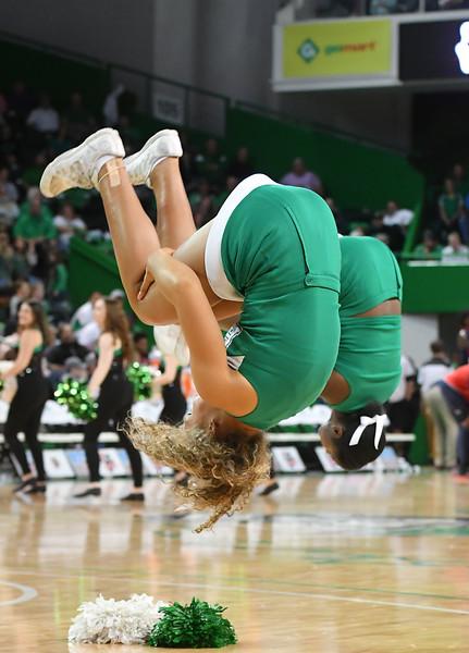 cheerleaders7492.jpg
