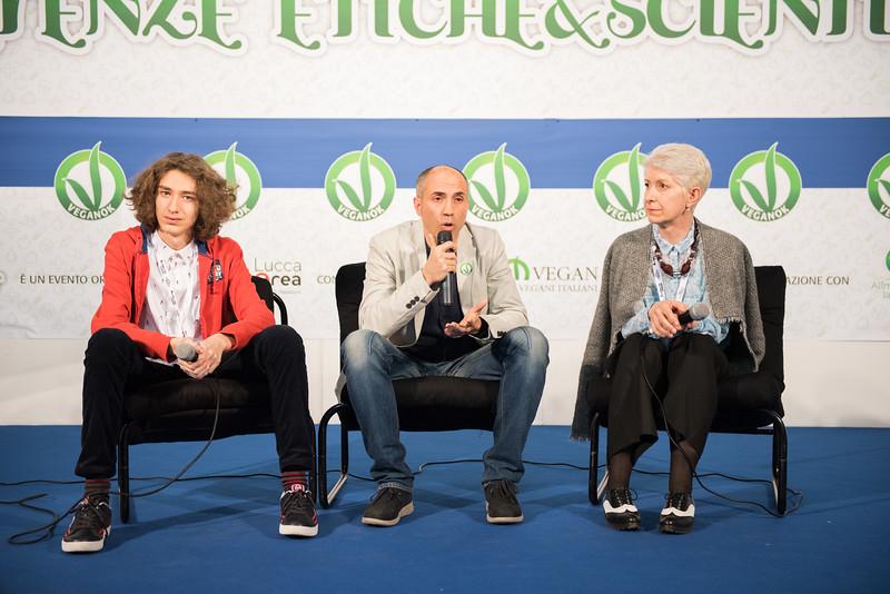 lucca-veganfest-conferenze-e-piazzetta_3_010.jpg