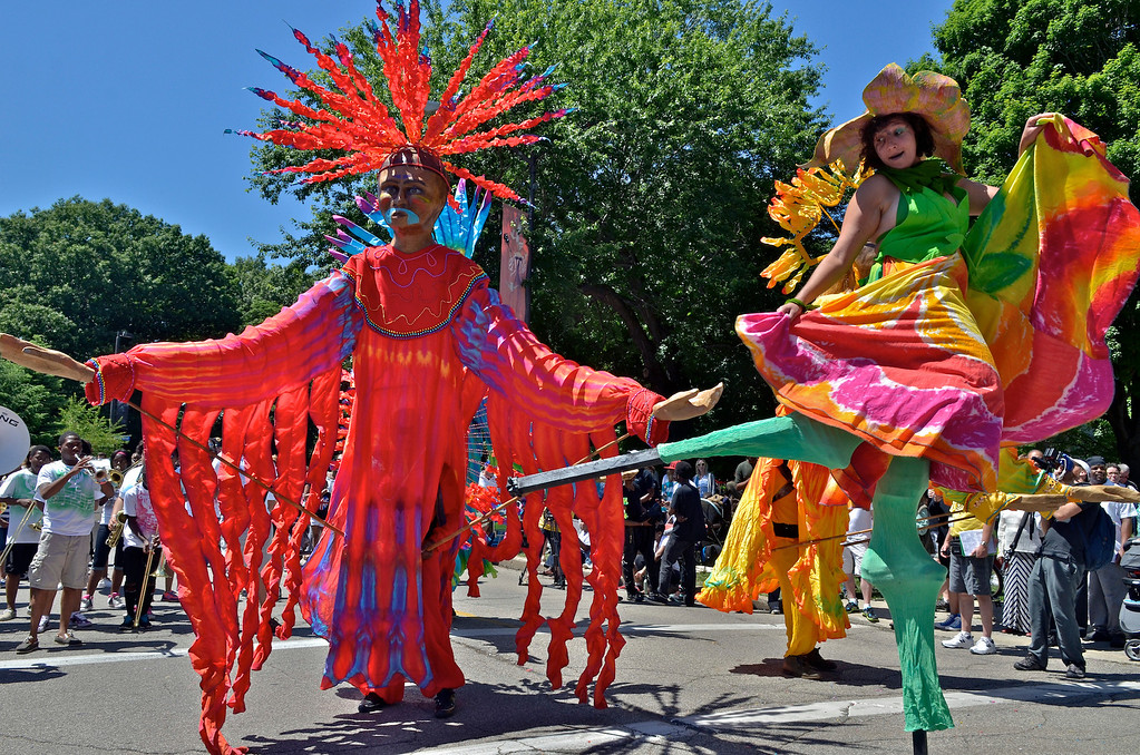 . Jeff Forman/JForman@News-Herald.com Costumed stilt walkers and giant puppets at the Cleveland Museum of Art 25th annual Parade the Circle June 14 in University Circle.