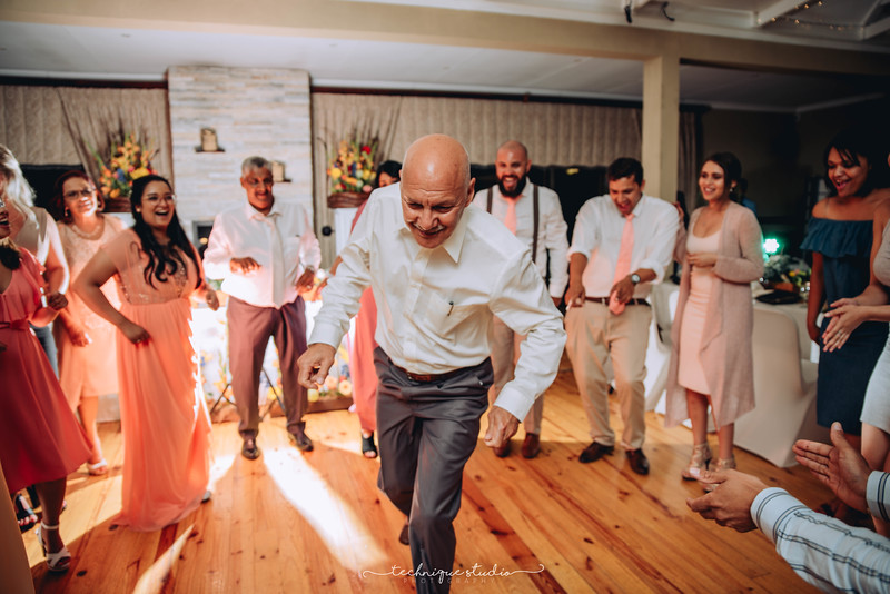 BRETT & CARMEN WEDDING PREVIEWS-138.JPG