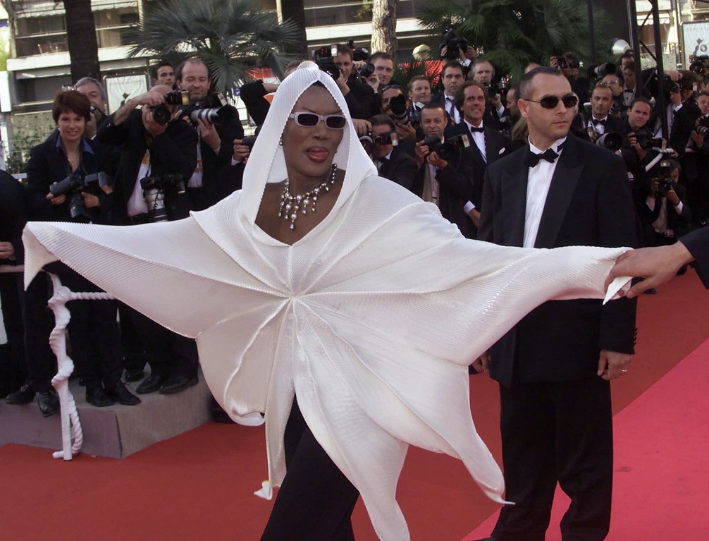 ". American singer/actress Grace Jones arrives at the Festival Palace to attend the screening of ""Va Savoir (Who Knows)\"" in Cannes, France, Wednesday, May 16, 2001. The film, directed by Jacques Rivette, is in competition at the 54th Cannes Film Festival. (AP Photo/Laurent Rebours)"