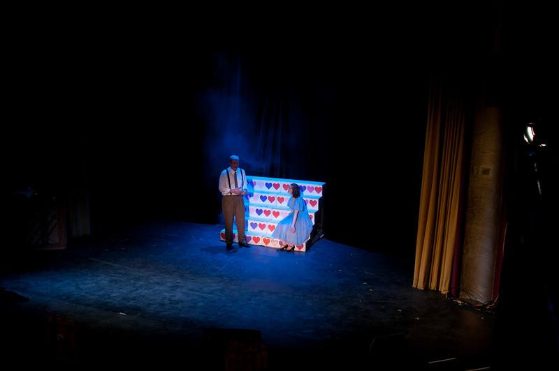 Curtains.20110301.2071.jpg