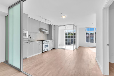 305 - 4355 W 10th Ave, Vancouver