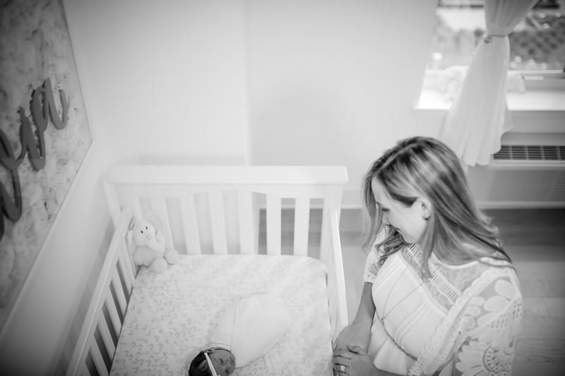 bw_newport_babies_photography_hoboken_at_home_newborn_shoot-5197.jpg