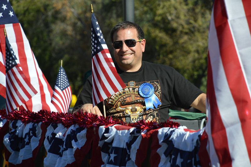 2013 Veterans Day Parade 11-10-2013 11-09-19 PM.JPG