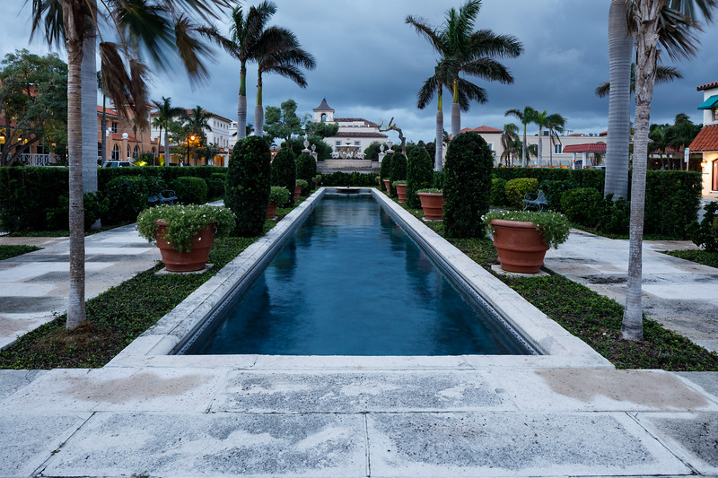 Palm Beach Memorial Fountain Park.jpg