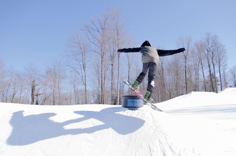 Snow-Trails-Rail-Jam-8091.jpg