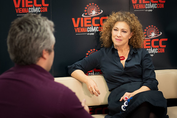 2019-11-26 VIECC River Song