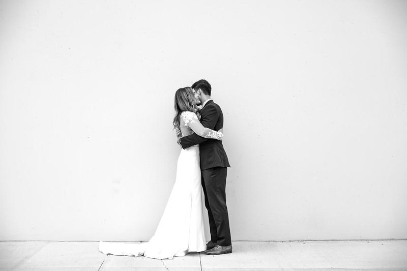 Kate&Josh_B&W_ZACH.WATHEN.PHOTOGRAPHER-201.jpg
