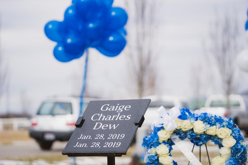 baby dew funeral-231.jpg