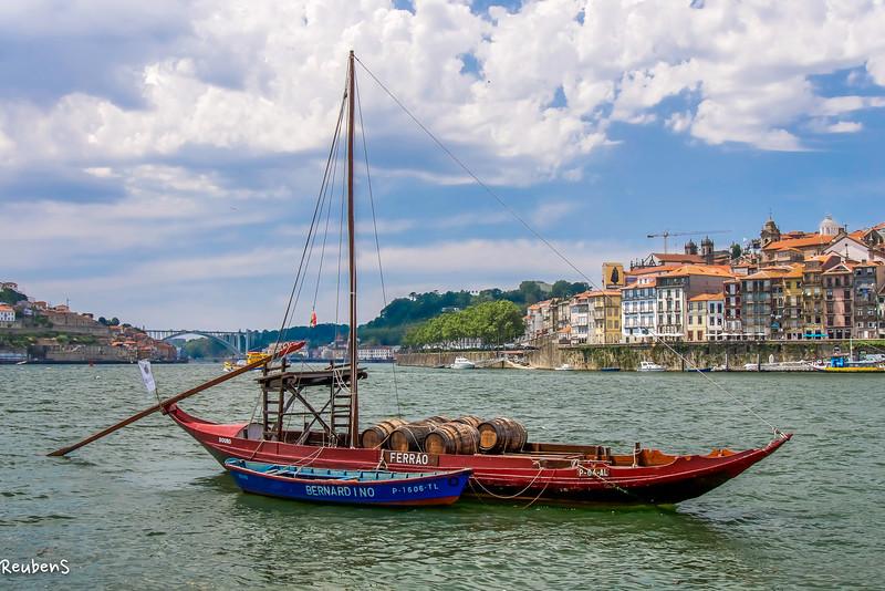 Boat on Douro.jpg