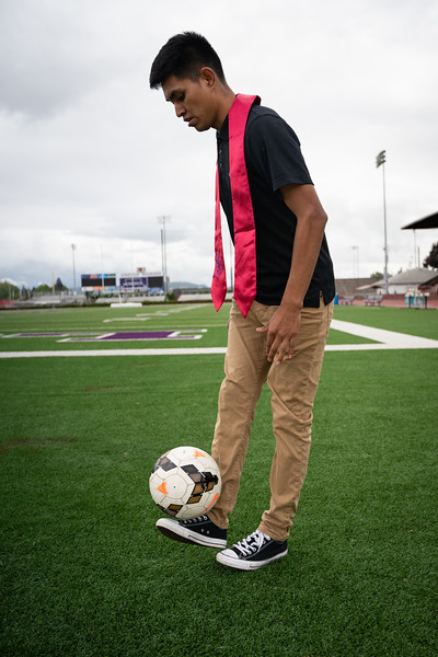 1905_15_efrain_senior_pictures-03651.jpg