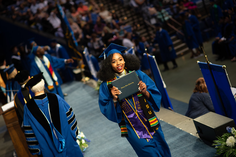 May 12, 2018 commencement -1620.jpg