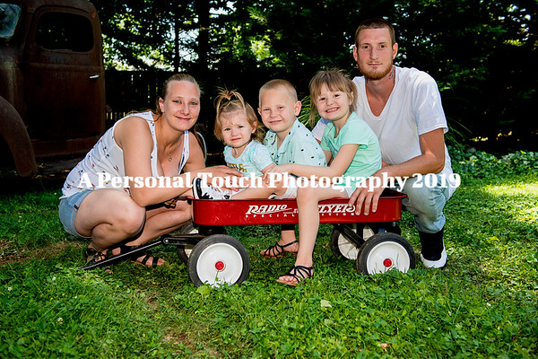 Wayne and Larua and family June 2019