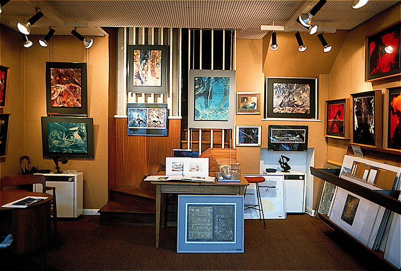 0420 Exhibion Vitrographs 2 at Westcott Art Centre 1965.jpg