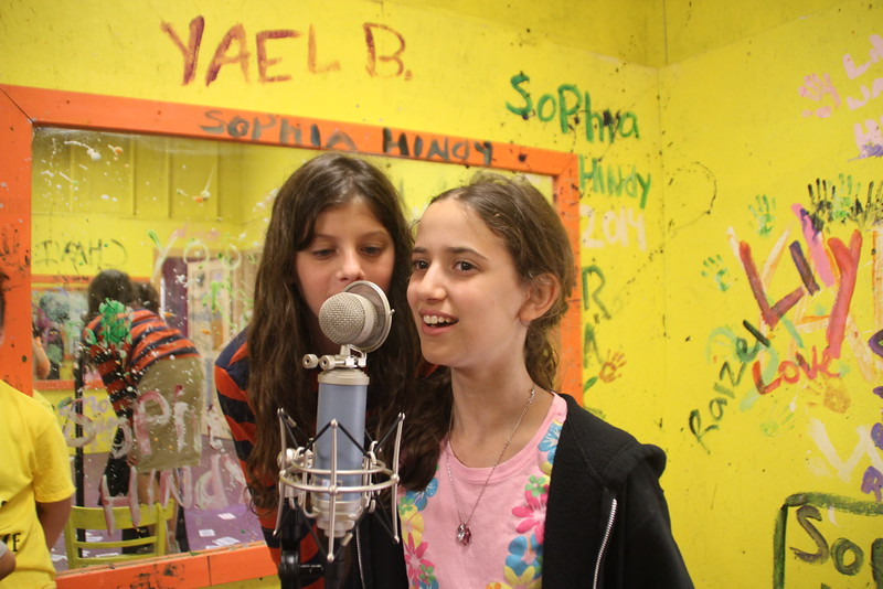kars4kids_thezone_camp_GirlDivsion_workshops_Singing (5).JPG