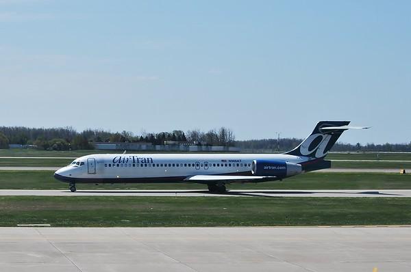 2012/04 FNT Airport