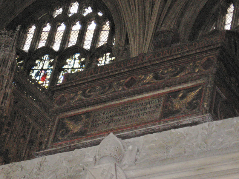 Burial chest of pre-Conquest monarch, Winchester Cathedral