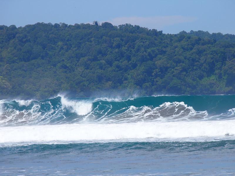 P4096547-empty-waves.JPG