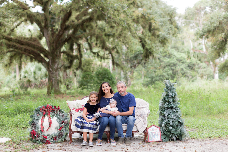 Holiday Minis- Scarth Family-8.jpg