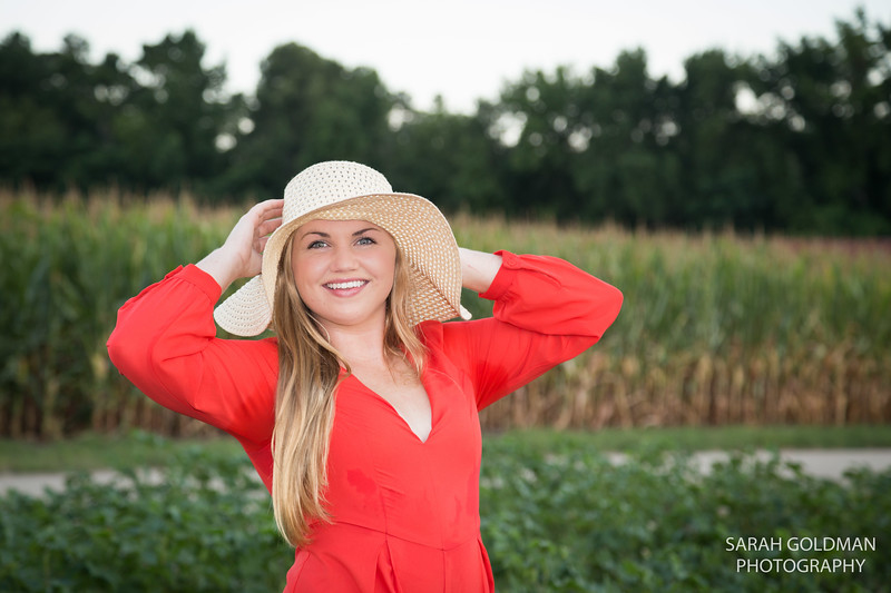 country-themed-senior-pictures (1).jpg